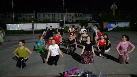 毛咀好姐妹舞蹈队比赛练习实录之一