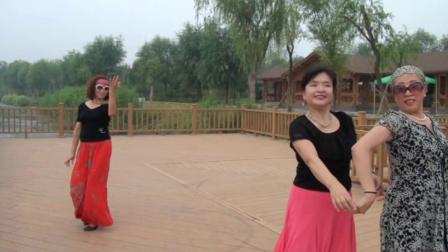 香香 舞韵 翩翩表演《双垫》