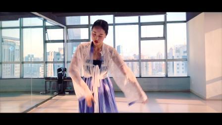南京美度舞蹈培训 飒爽老师唯美古典舞.《女儿情》,醉人的歌曲,就问女儿美不美!