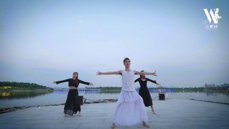 小莫现代舞 非常感动人的一支舞蹈《父亲》