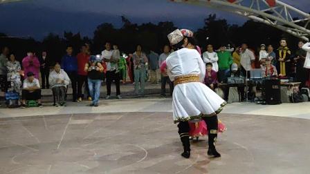 双人舞《新疆舞》  表演:韩糊组合