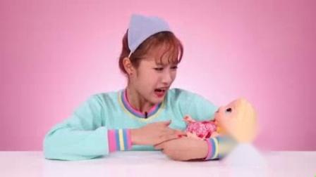 我在既能吃饭,又能拉臭臭的Baby Alive玩具截取了一段小视频
