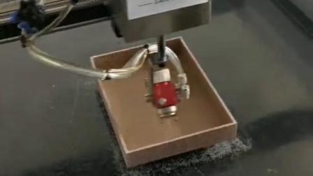 内盒自动喷胶机,针对月饼盒 首饰盒 酒盒等内侧全自动旋转喷胶机 三旗演示视频
