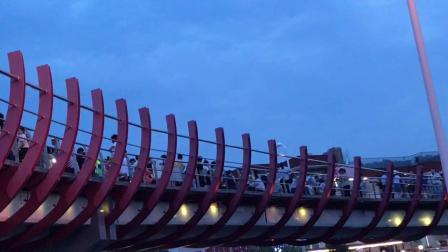美丽的天桥