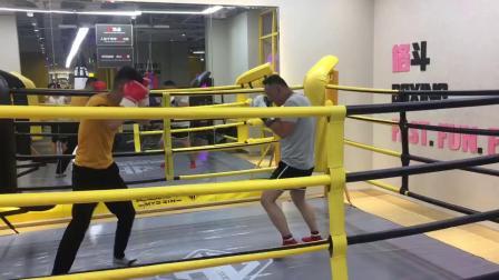 拳击健身搞笑