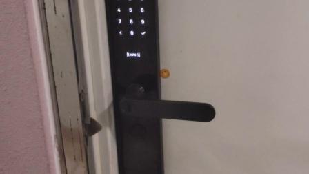 小米智能門鎖自亮燈