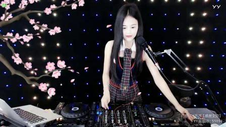 靓妹全新热爱音乐DJ2019现场美女打碟串烧Dj-vivi(39)