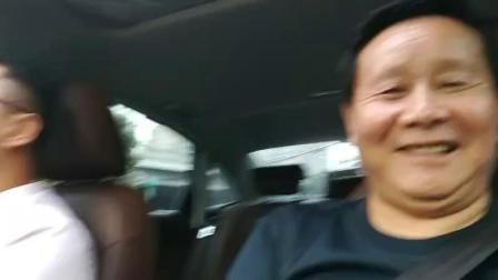 资深媒体人,时代名家总策划江改银应来京安徽企业家姚光耀之邀在副总李军青小张一行三人前往丰台区飞舟鲜徽菜店,与北方磁浮交通工程研究院 王亚洲院长会晤,文化交流……