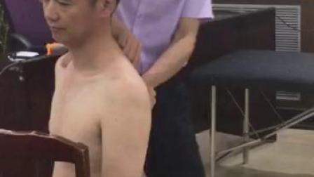 脊椎旋转复位法