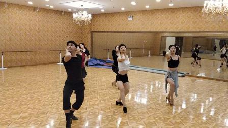 沈阳拉丁舞培训飞舞天达舞蹈学校丁老师班课堂