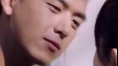#亲爱的热爱的# 🦑 #亲爱的热爱的预告# 浙江卫视预告battle中:吻💋 佟年和韩商言甜蜜大...