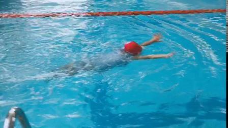 子嫣游泳课结课汇报表演,棒棒哒