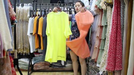 2019年最新精品女装批发服装批发时尚服饰时尚女士新款夏装大版T20件起批,视频款可挑款零售混批...mp4
