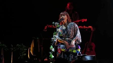【Strawberry Alice】澳大利亚女歌手Lenka 2019中国巡演上海站 - 02 Heart Skips A Beat,07-11 瓦肆现场