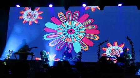 【Strawberry Alice】澳大利亚女歌手Lenka 2019中国巡演上海站 - 16 Blue Skies,07-11 瓦肆现场
