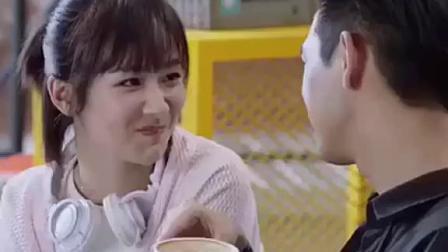 #亲爱的热爱的吻戏花絮#童颜夫妇的糖好甜🌹~~你的小心心还好吗啊?#亲爱的热爱的##杨紫##李现#...