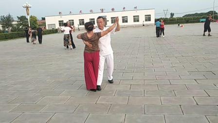 两家子平安文化广场交谊舞并四步演练,2019.7.21.