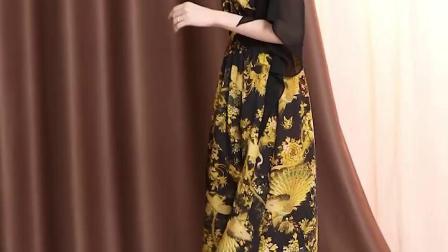 真丝连衣裙2019春夏新款气质V领高端复古印花桑蚕丝优雅开叉长裙