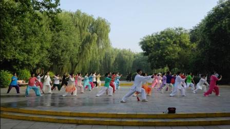 石家庄市新华区石太公园辅导站武当剑学习班结业演练