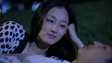 长在面包树上的女人:爆笑瞬间,霸道总裁躺草地上悠哉的睡着了,结果灰姑娘却想趁机使坏&霸道总裁躺草地上呼呼大睡,结果灰姑娘想趁机耍小心眼,下一秒太甜了!
