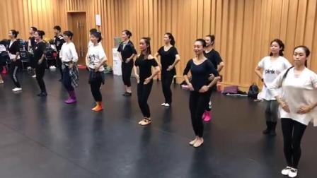 中国舞蹈考级教材全套舞蹈教学课程第四版第六级之《阿古顿巴》