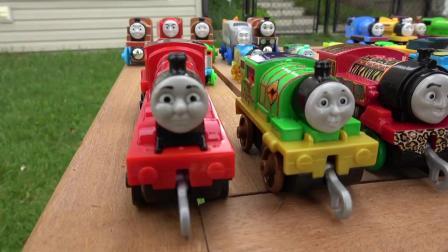托马斯和朋友神秘轮滑滑梯比赛汇编