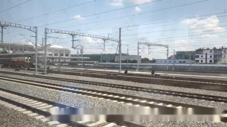 K1533次(东营南—乌兰浩特)到达通辽站1站台