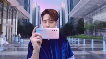 王嘉尔 vivo X27系列 印象夏日 发现更多美 15秒系列广告2