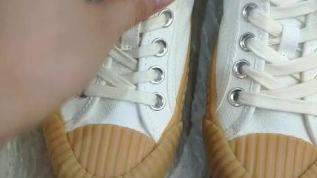 饼干鞋偏大