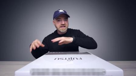 可以用手掌解锁的超轻笔记本!富士通 U939X 开箱!