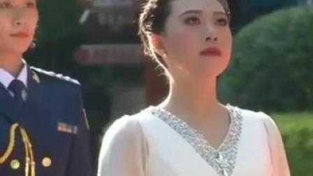 第七届世界军运会圣火火种在南昌八一纪念馆采集成功!采火者:方志敏烈士的曾孙女,方铭璐。