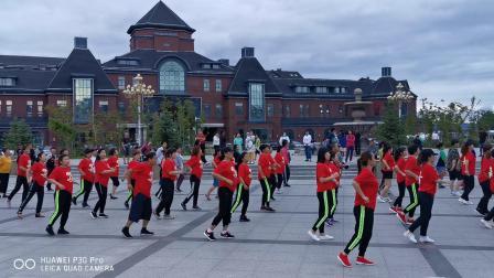吉林省延边龙井市最美的广场舞。