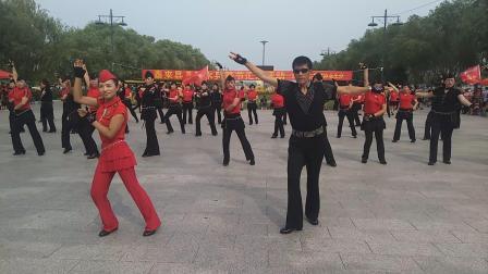 2019年  顾老师团队表演的果果吉特巴A套  泰来县第三届水兵舞节
