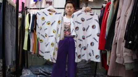 2019年最新精品女装批发服装批发时尚服饰时尚女士新款夏装上衣大版T20件起批,视频款可挑款零售混批~1.mp4