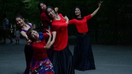 紫竹院杜老师广场舞《爱上草原爱上你》190804-6857