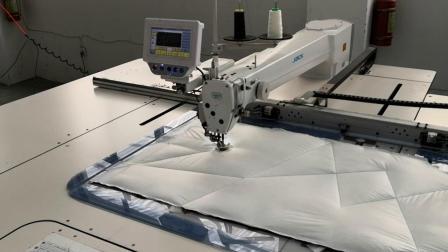 杰克90A款模板机缝制羽绒服(五角星)