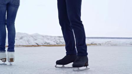 Y-1981-户外溜冰场特写视频