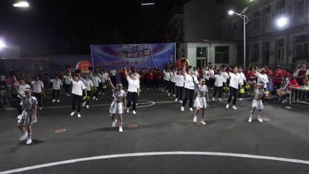 2019南格消夏晚会南格村网红街舞蹈队