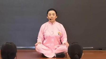 张云崖老师带领学员练习功前热身操_高清