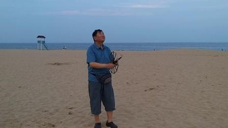 北京鹰飞燕舞在阿那亚黄金海岸放飞自制盘鹰风筝