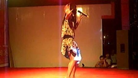 深圳这个女歌手唱的真好听!太棒了!