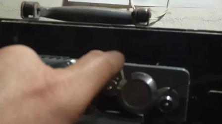 长江16-4电影放映机装胶片方法
