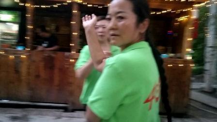 同学聚会——新疆舞