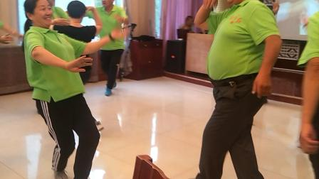 同学聚会集体跳舞——黑走马