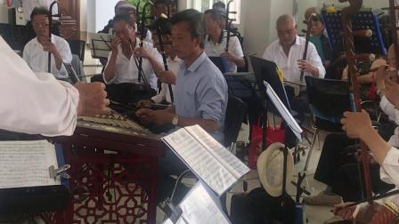 永胜灵源民乐队与宾川快乐每一天乐队欢聚一堂