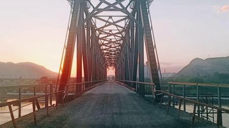 兰州周边旅游景点区达川三江口最美晚霞