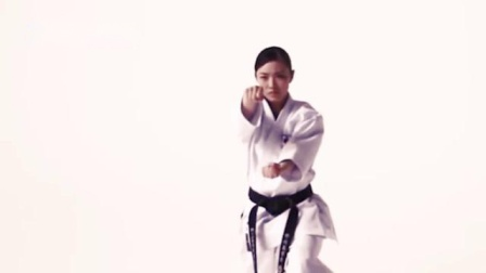 日本美女出拳迅捷有力量,有谁知道这是什么拳法?