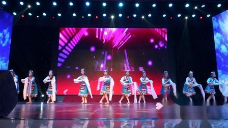 新县爱丽丝艺术培训中心2019年度汇演 节目2.浪拉山情