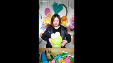 气球街卖造型-背带青蛙