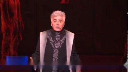 时隔17年 法语音乐剧《巴黎圣母院》再度唱响中国剧院首演当晚座无虚席 人气爆棚